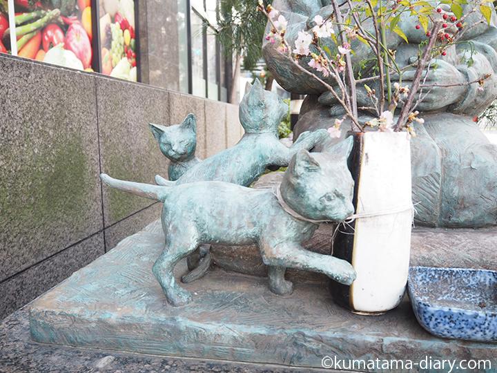 猫さん銅像