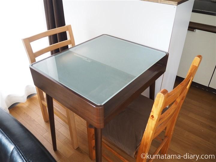 ダイニングのテーブルと交換
