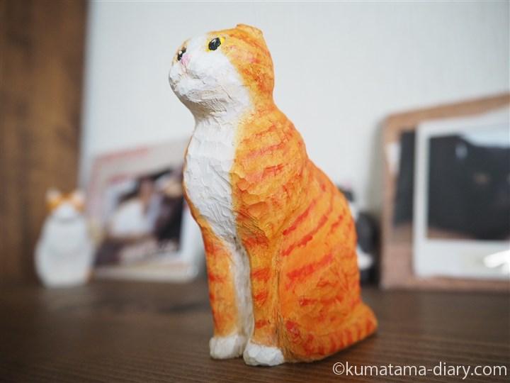 木彫り猫スコティッシュフォールド上向き