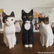 3体の木彫り猫