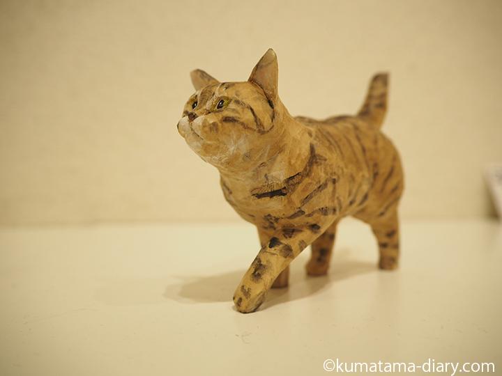 歩くキジトラ猫さん