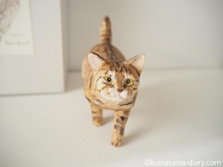 木彫り猫正面