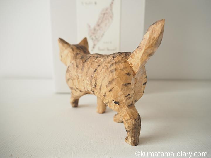 木彫り猫後ろ