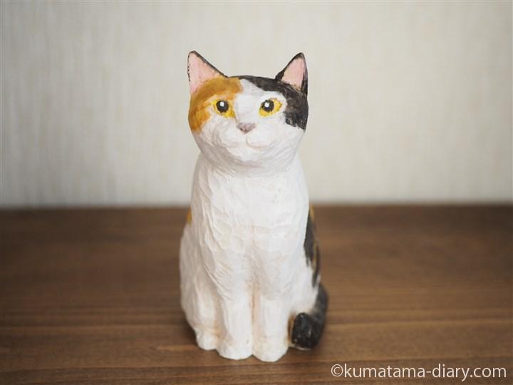 木彫りの三毛猫さん