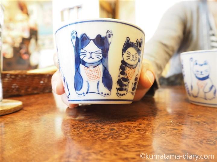 スープの容器にも猫