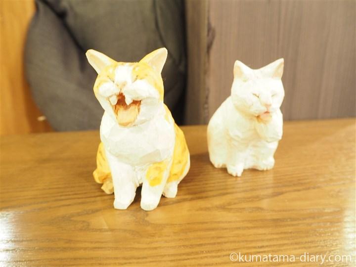 バンナイリョウジさん木彫り猫