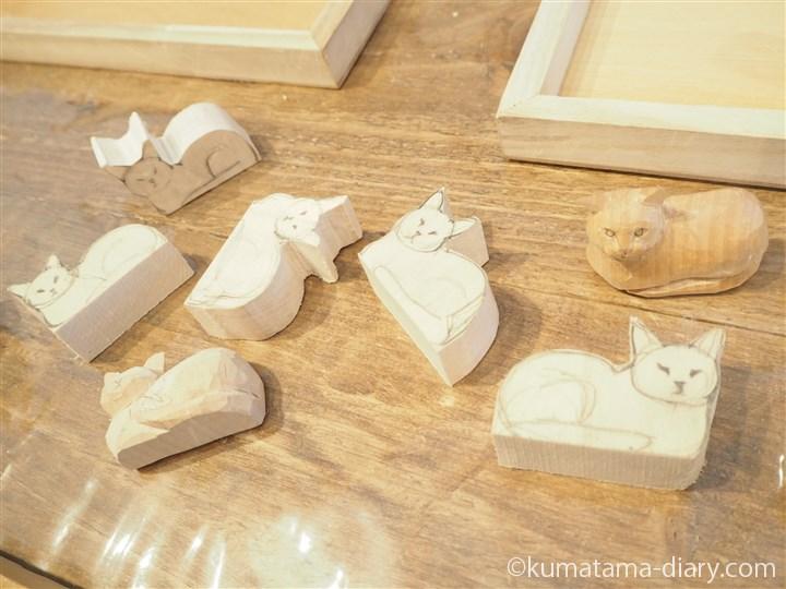 猫の形の木材