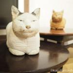 安田ジョージ展「路地裏動物園」で木と布で作られた猫さんを見ました