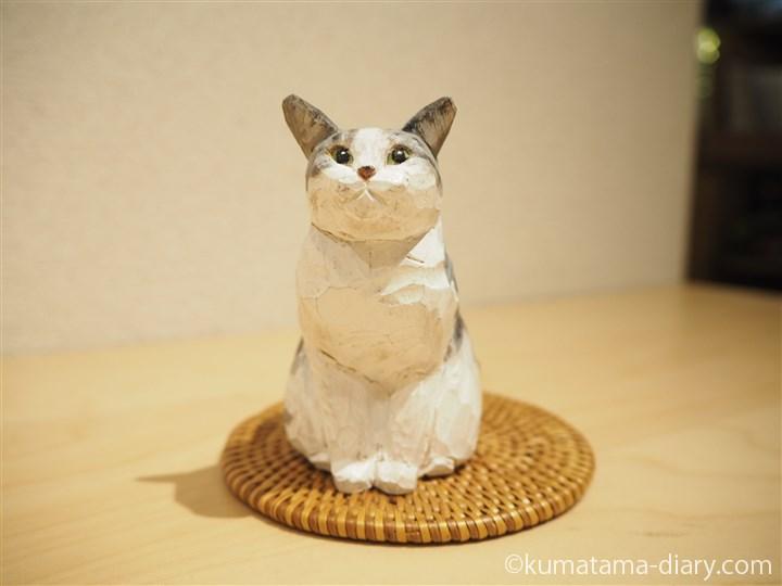 小さな木彫り猫