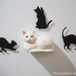 木彫りで白猫のマグネットを作りました