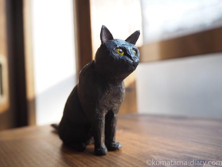くま木彫り黒猫