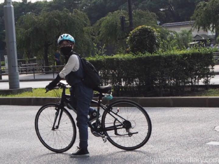クロスバイクに乗る私
