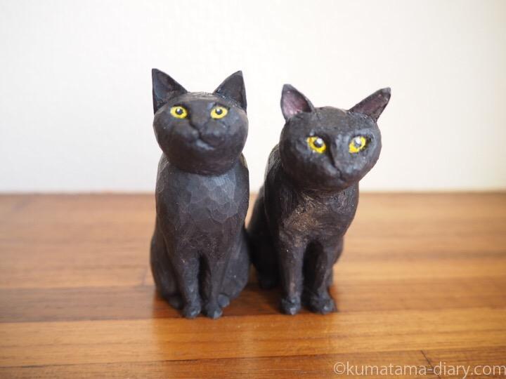 くまの木彫り猫2体