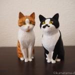 木彫りで黒白猫さんと茶トラ白猫さんを作りました