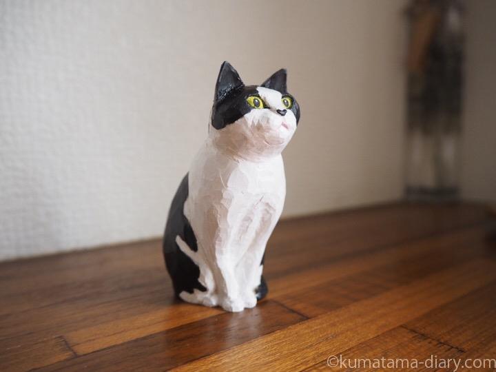 黒白猫さん木彫り