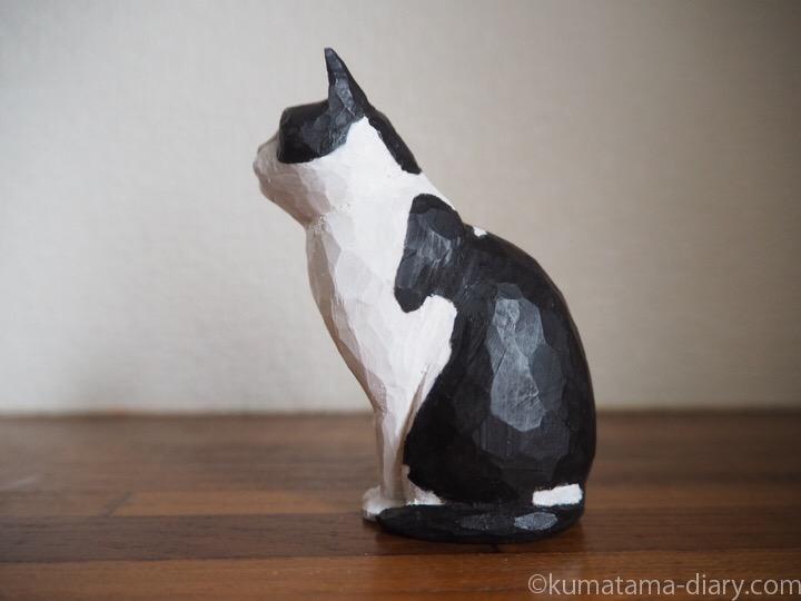 黒白猫さん木彫り左