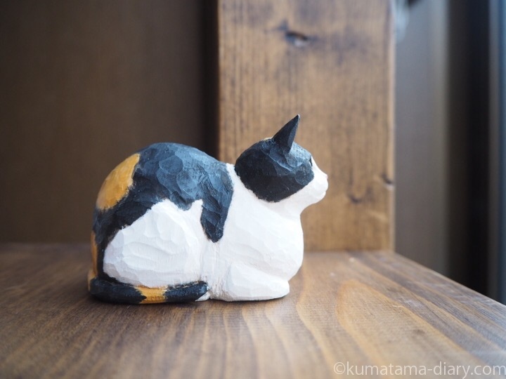 三毛猫木彫り香箱右