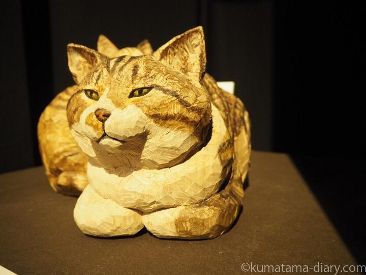 はしもとみおさん木彫り猫
