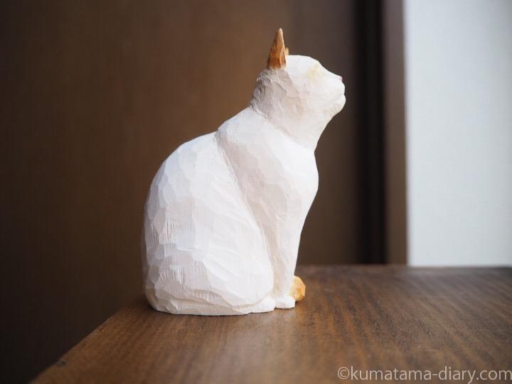 オレンジシャムの木彫り猫右