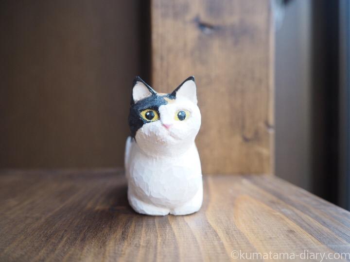 三毛猫木彫り香箱