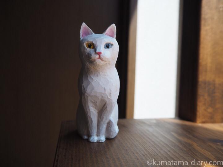 オッドアイ白猫木彫り