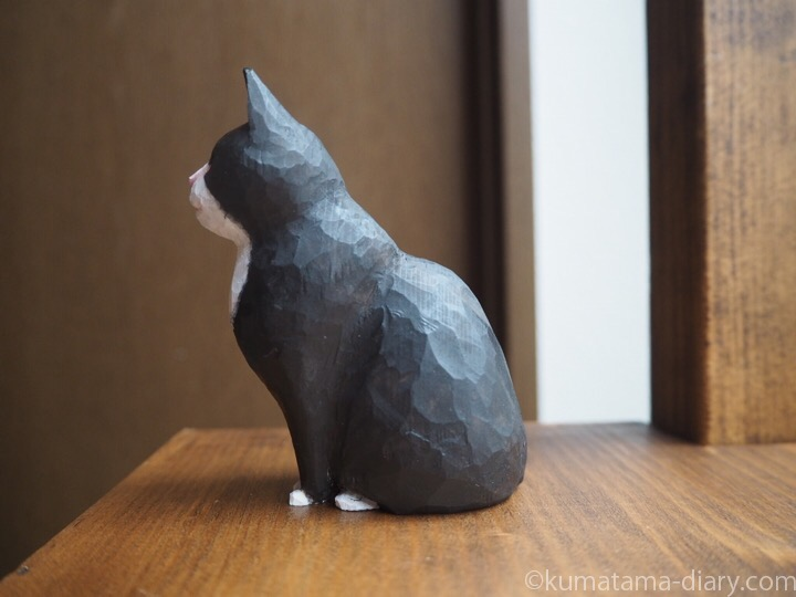 黒白猫木彫り左
