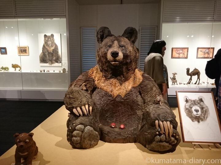 クマ木彫り