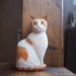 茶トラ白猫を木彫りで作りました