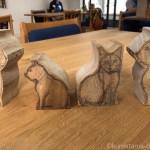 彫刻教室でも木彫り猫を作っています