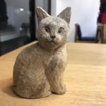 彫刻教室で作っている木彫り猫