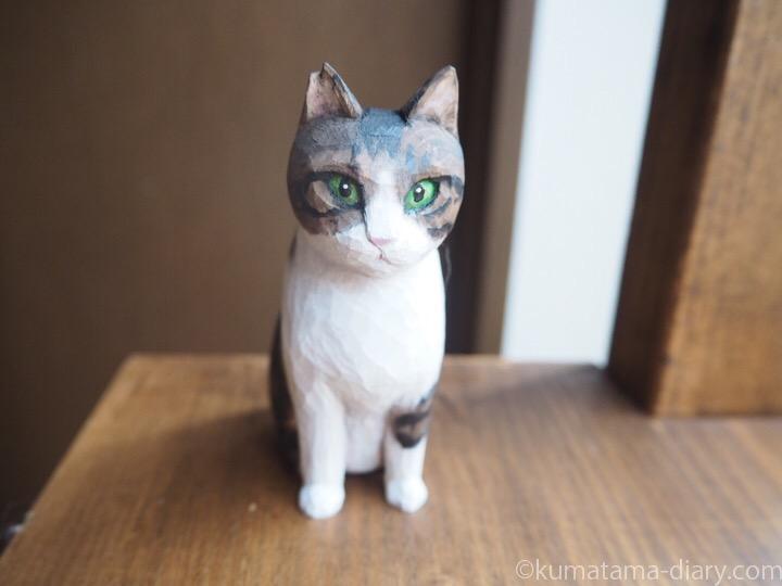 キジトラ白猫さん木彫り