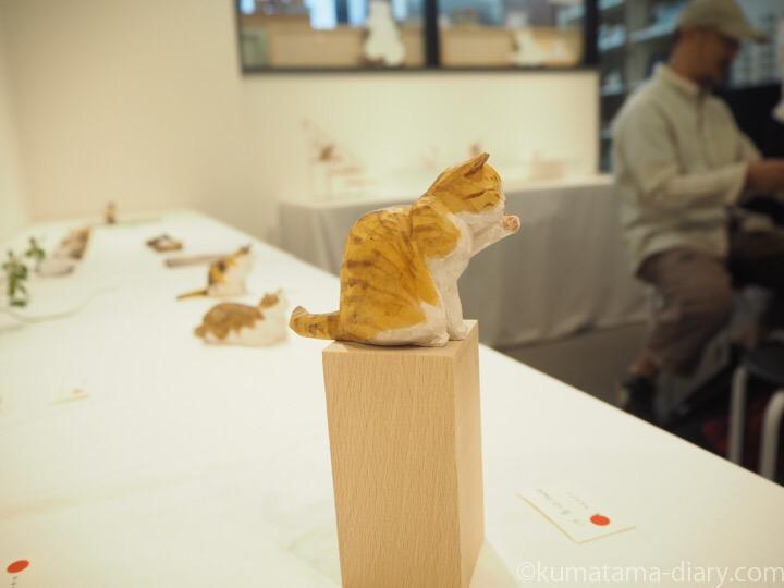 バンナイさんと木彫り猫