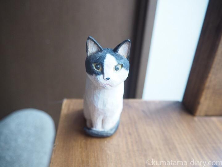 白黒猫木彫りトメオくん