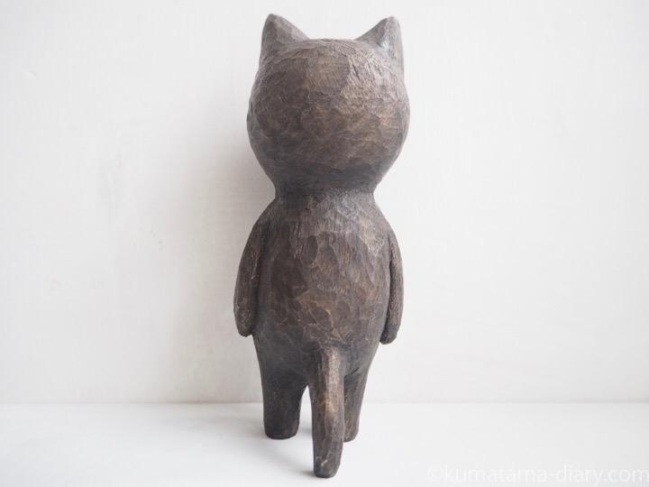 ふみおの木彫り猫後ろ