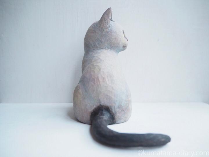 白黒猫の木彫り猫