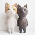 うちの猫をモデルに2本足で立つ木彫り猫を作りました