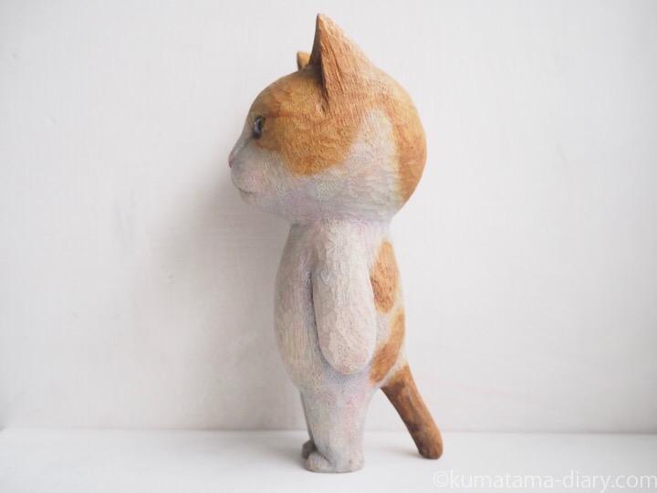たまきの木彫り猫左
