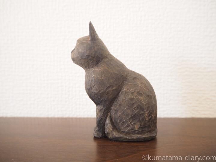 黒猫木彫り猫左