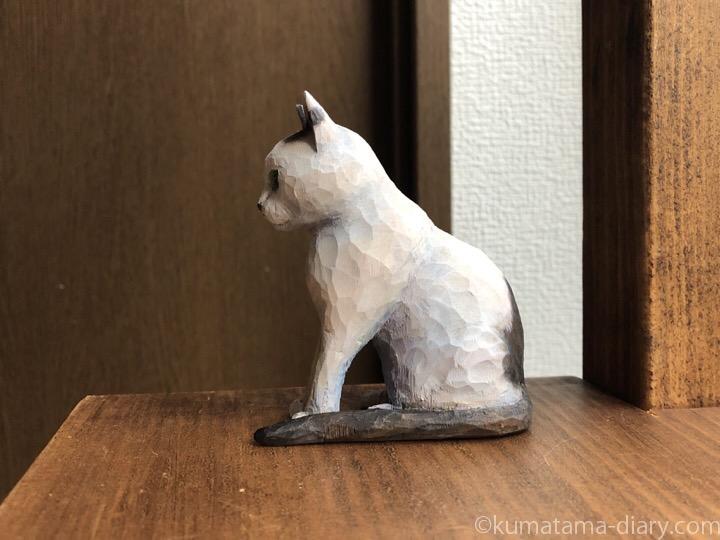 白黒猫木彫り猫左