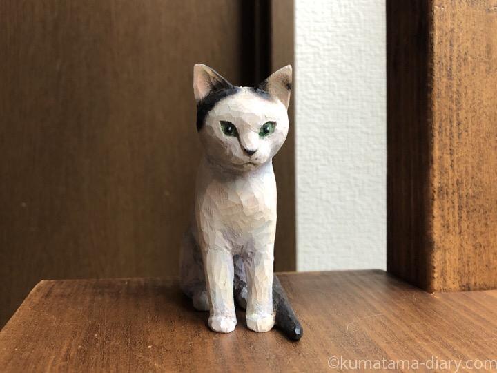 白黒猫木彫り猫