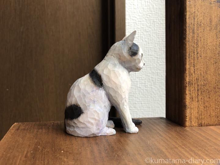 白黒猫木彫り猫右