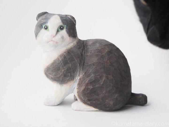 スコティッシュ木彫り猫とふみお