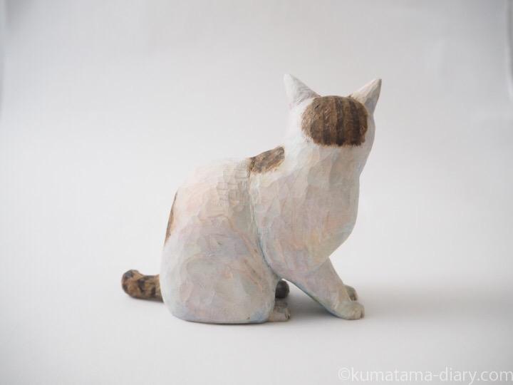 キジトラ白猫の木彫り猫