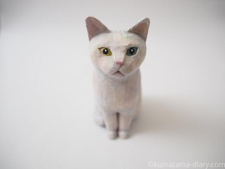 白猫木彫り猫