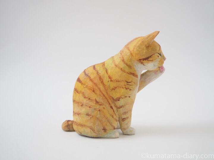 茶トラ白猫木彫り猫右