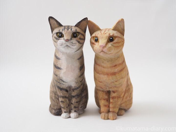 キジトラ白猫と茶トラ猫木彫り