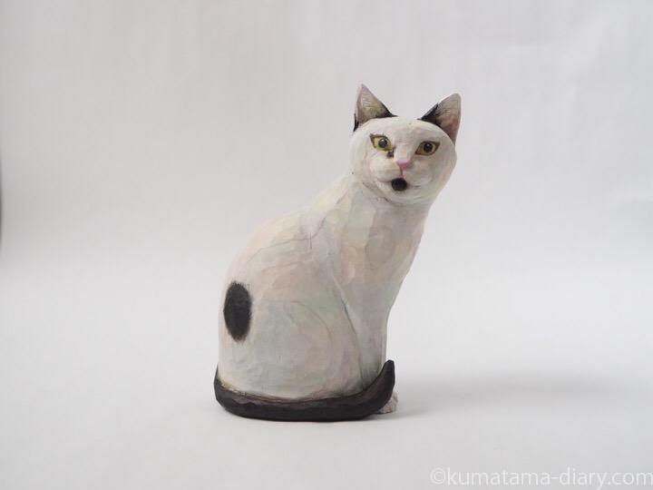白黒猫はんしさん木彫り猫