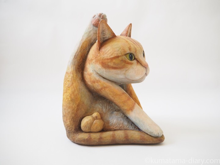 にゃんたまがある木彫り猫