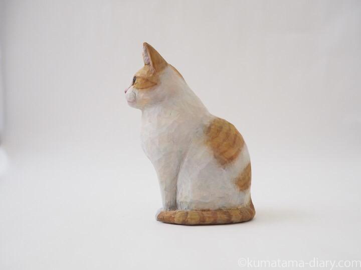 たまき木彫り猫左