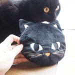 黒猫さんが可愛いモロゾフの「ミートンリートポシェット」
